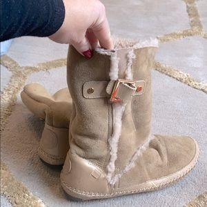 """Tory Burch """"ugg-like"""" fleece lined boots"""